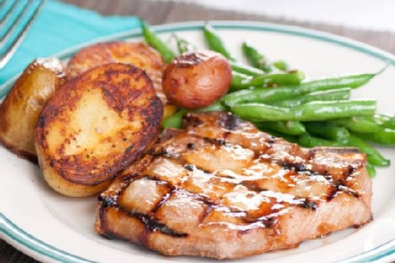 Baked Pork Chops with Green Beans and Potatoes