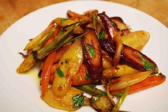 Honey-Glazed Citrus-Roasted Carrots