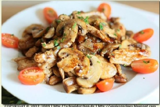 Stir-Fried Shredded Chicken and Mushrooms With Balsamic
