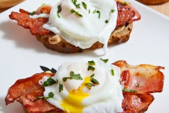 Poached Egg on Toast with Chipotle Mayonnaise, Bacon and ...