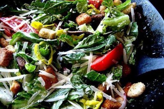 almost famous garden salad olive garden copycat - Olive Garden Salad