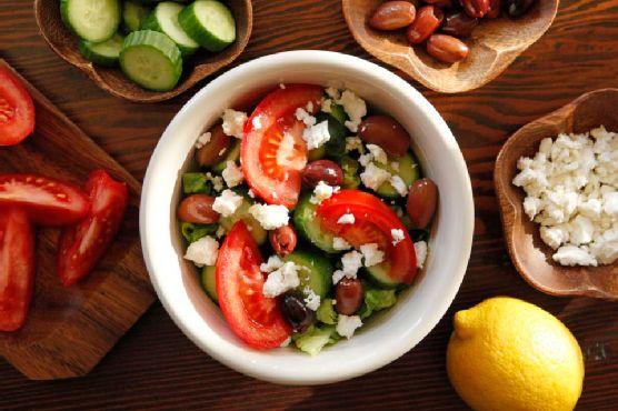 Greek Salad Quinoa Bowl