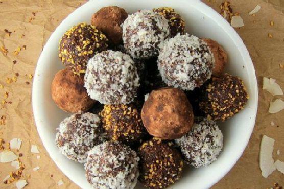 15 Minute Healthy Dark Chocolate Truffles