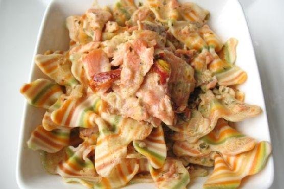 Artisan Farfalle Pasta With Smoked Salmon and Cream Sauce
