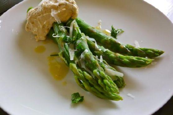 Asparagus With Black Pepper-Pecorino Zabaglione