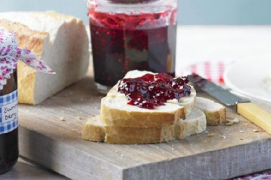Baie Rose and Orange-Scented Red Berry NON COOK FREEZER Jam