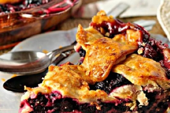 Blackberry Pie Cobbler