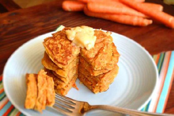 Carrot Cake Pancakes w Honey Butter