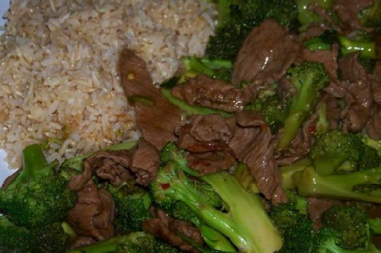 Chili and Garlic Spiced Beef and Broccoli Stir Fry