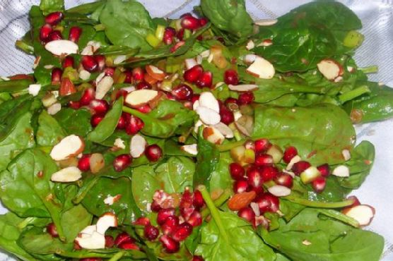 Colorful and Crunchy Pomegranate and Spinach Side Salad