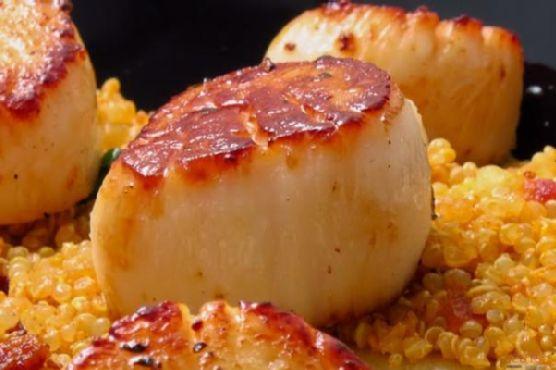 Pan-Seared Scallops with Bacony Quinoa