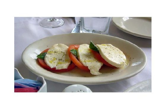 Italian Tomato and Mozzarella Caprese