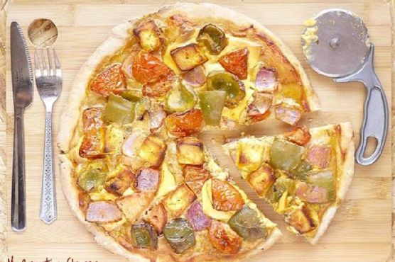 Multigrain Tandoori Pizza With Paneer Tikka