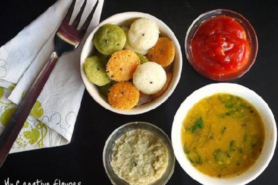 Organic Rava Idlis With Sambar & Chutney