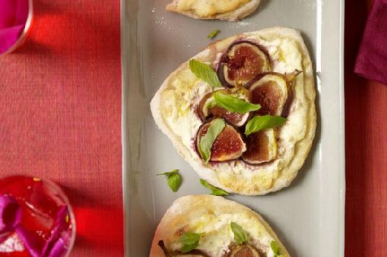 Paneer & Fig Pizza