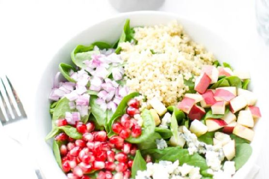 QUINOA, POMEGRANATE AND SPINACH SALAD