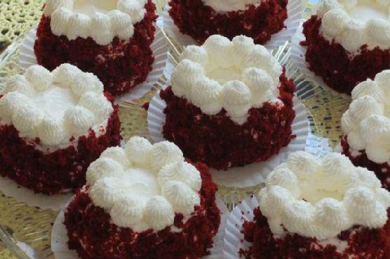 Red Velvet Baby Cakes
