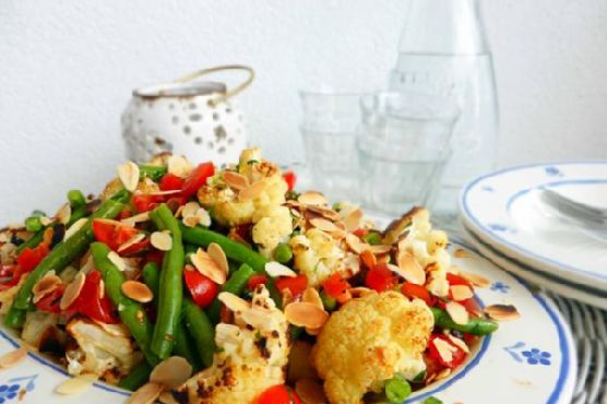 Roast Cauliflower Salad with Green Beans and Cherry Tomatoes