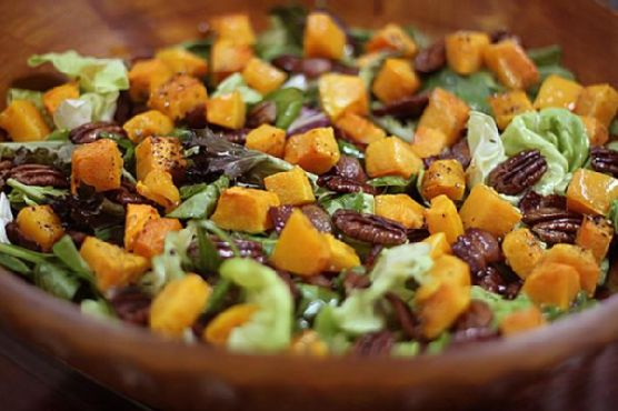 Roasted Butternut Squash, Pecan, Bacon, Mix Green & Baby Spinach Salad With Maple Syrup Vinaigrette
