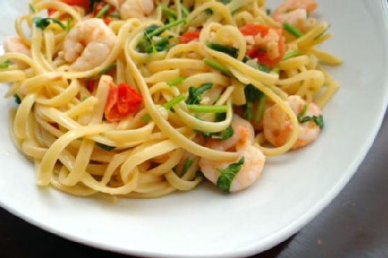 Shrimp pasta with white wine tomato cream sauce