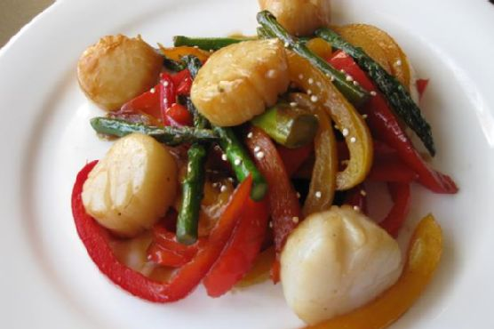 Soy Ginger Glazed Sea Scallops With Stir Fry Vegetables