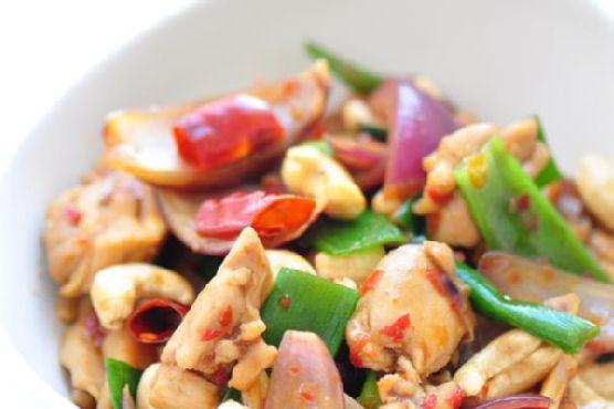 Thai Stir-Fry Chicken With Cashew Nuts