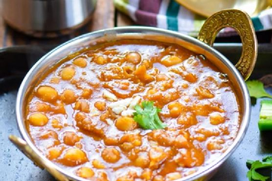 Vegan Chickpea Curry in Pressure Cooker