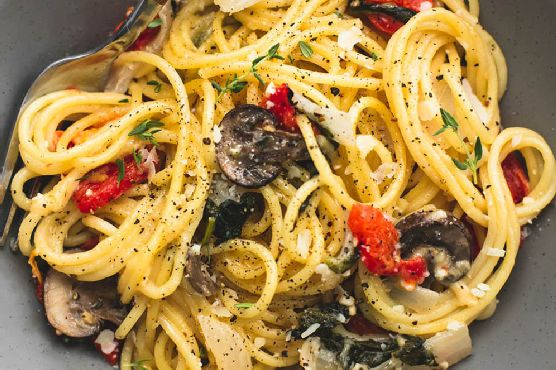 One Pot Creamy Tuscan Garlic Spaghetti