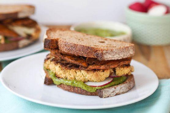 Roasted Cauliflower Sandwich with Spicy Sweet Potato Chips and Creamy Cilantro Avocado Sauce