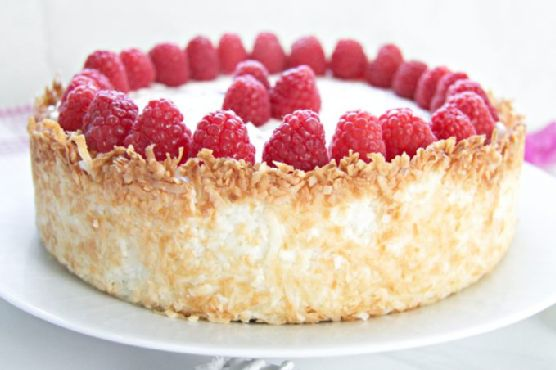 Keto Raspberry Cheesecake with Coconut Crust