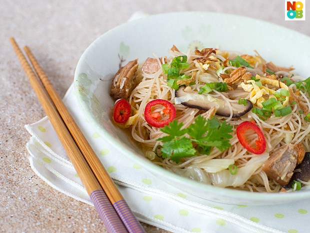 Fried Bee Hoon (Rice Vermicelli) with Canned Stewed Pork